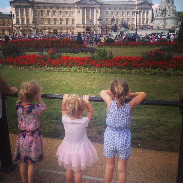 Girls visiting Buckingham Palace