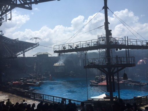 USS - Waterworld Show