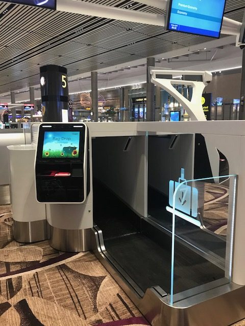 photo automated check-in Changi T4