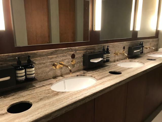 Marco Polo Lounge T4 Bathroom